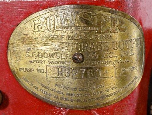 S.F. Bowser Self Measuring B-1282 Gas Pump - 3