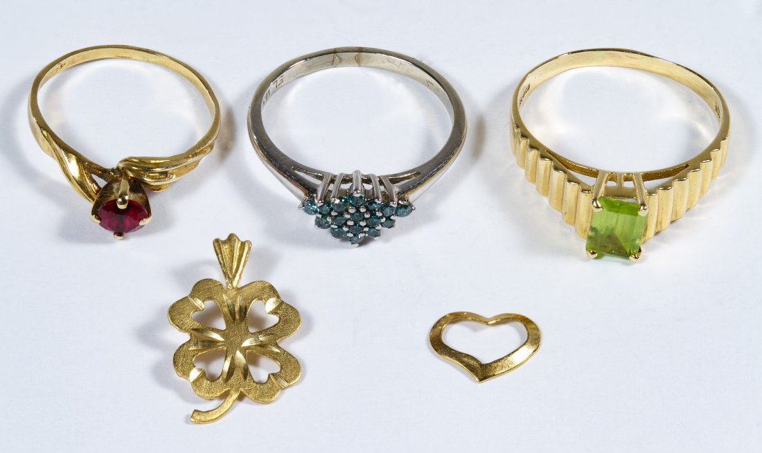 14k Gold Ring and Pendant Assortment