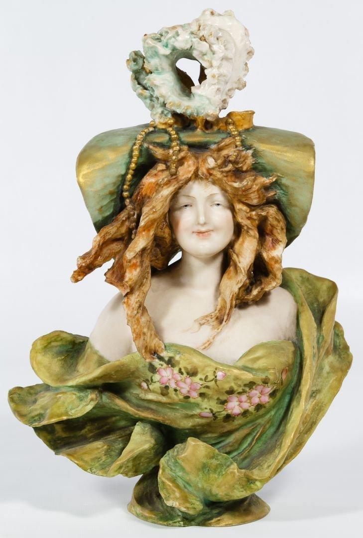 Turn Teplitz Amphora Art Nouveau Bust