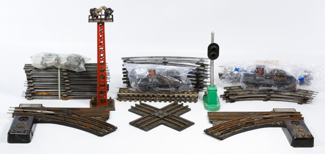 Lionel O-Gauge Toy Train Track Assortment - 2
