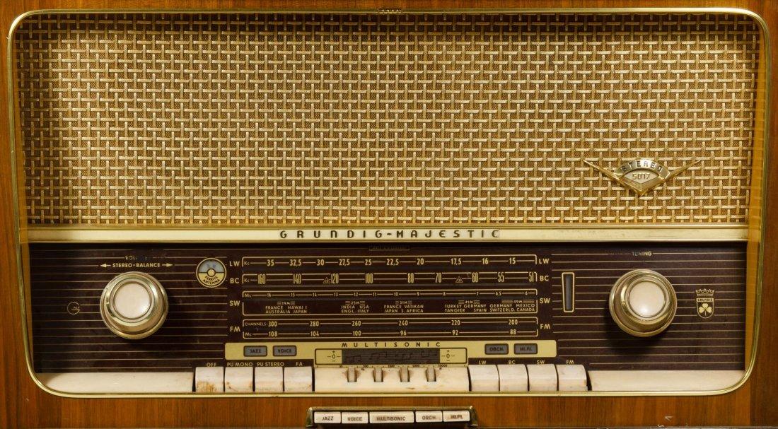 Grundig Majestic Multi-Sonic Radio - 2