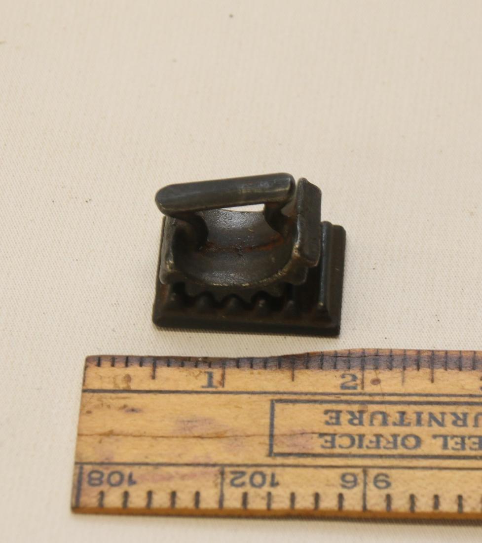 Mini cast iron fluter