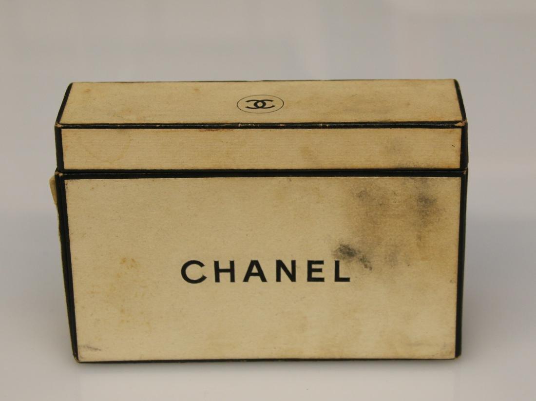CHANEL SAMPLE BOX - 2