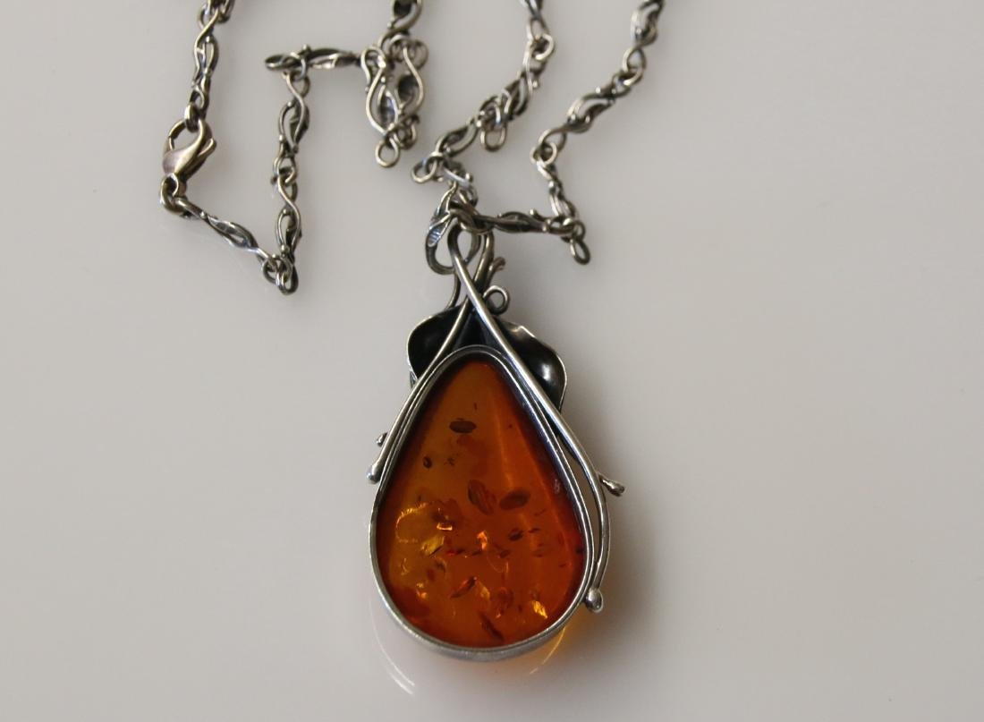 STERLING AND AMBER NECKLACE - 3