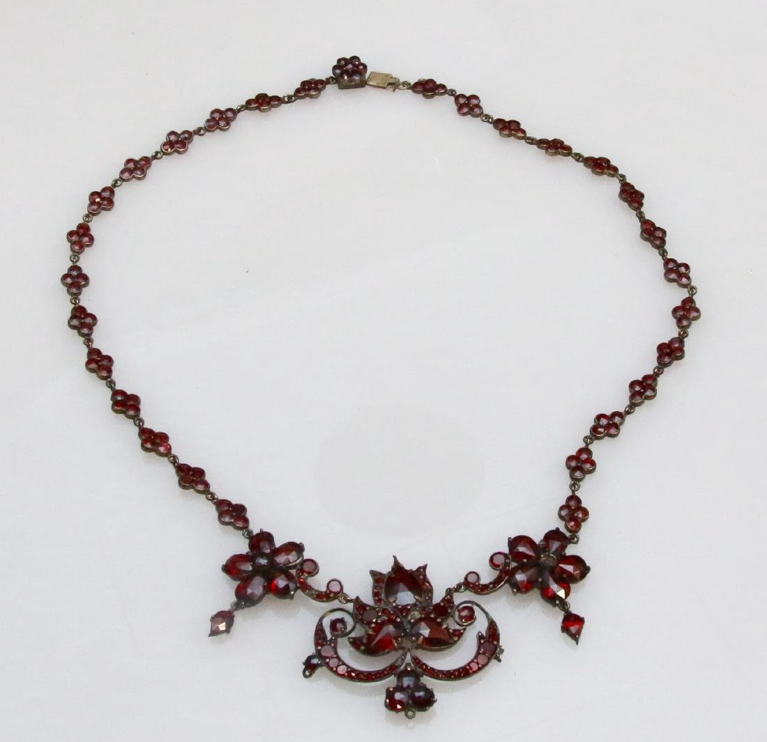 VINTAGE GARNET NECKLACE