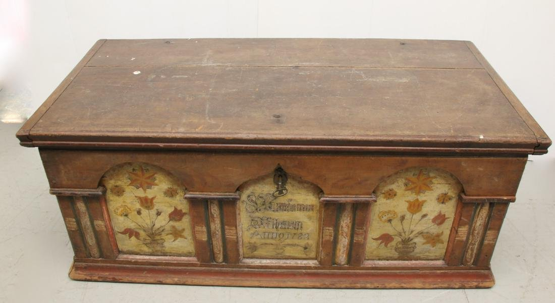 18TH CENTURY LANCASTER DOWER CHEST