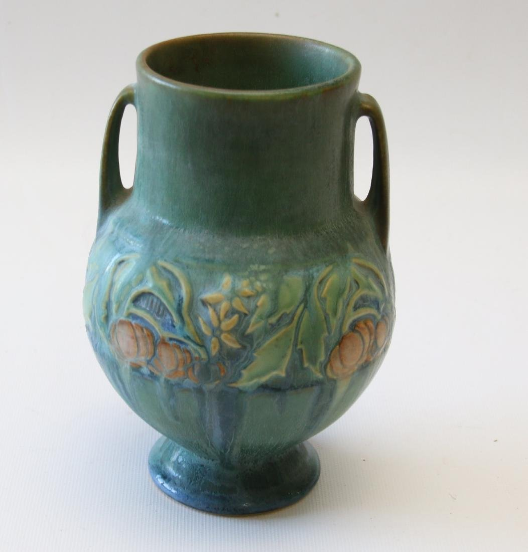 ROSEVILLE BANEDA VASE IN GREEN