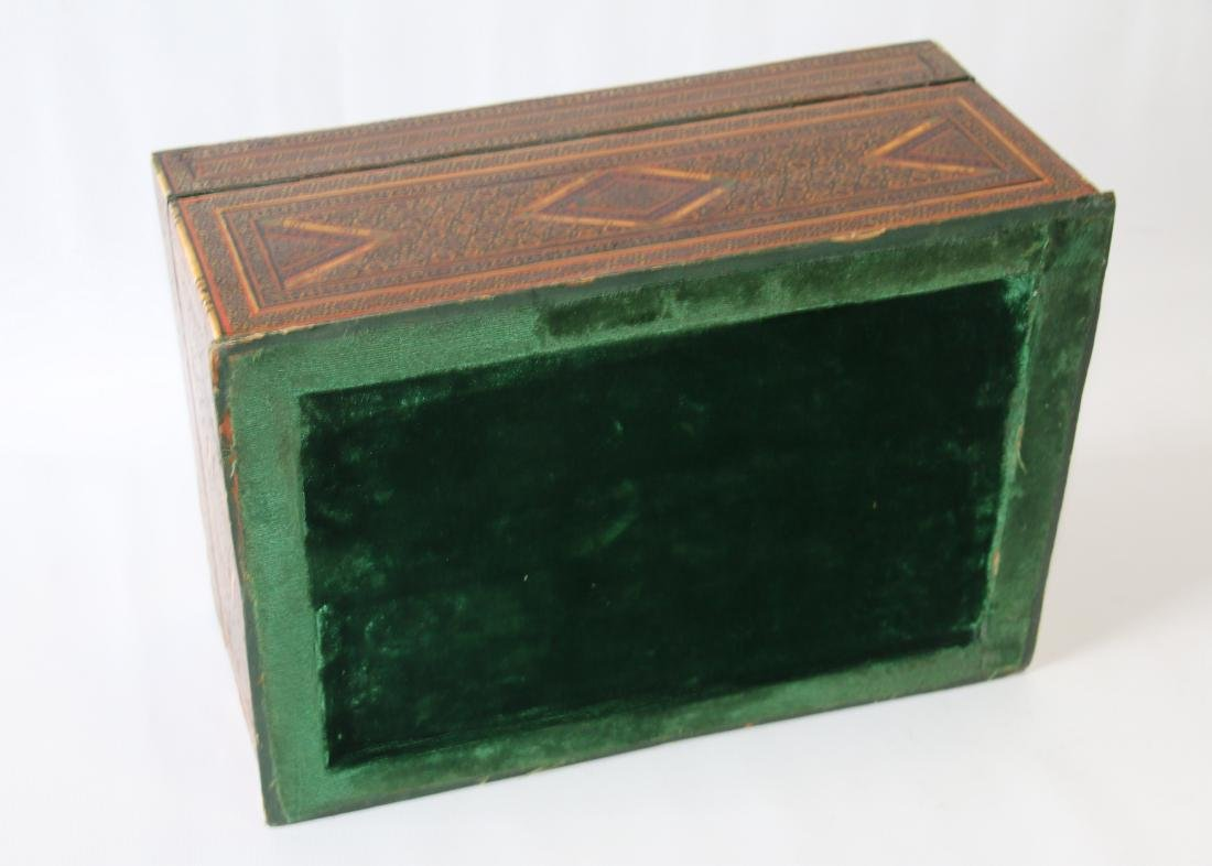 INLAID MARQUETRY TYPE BOX - 4