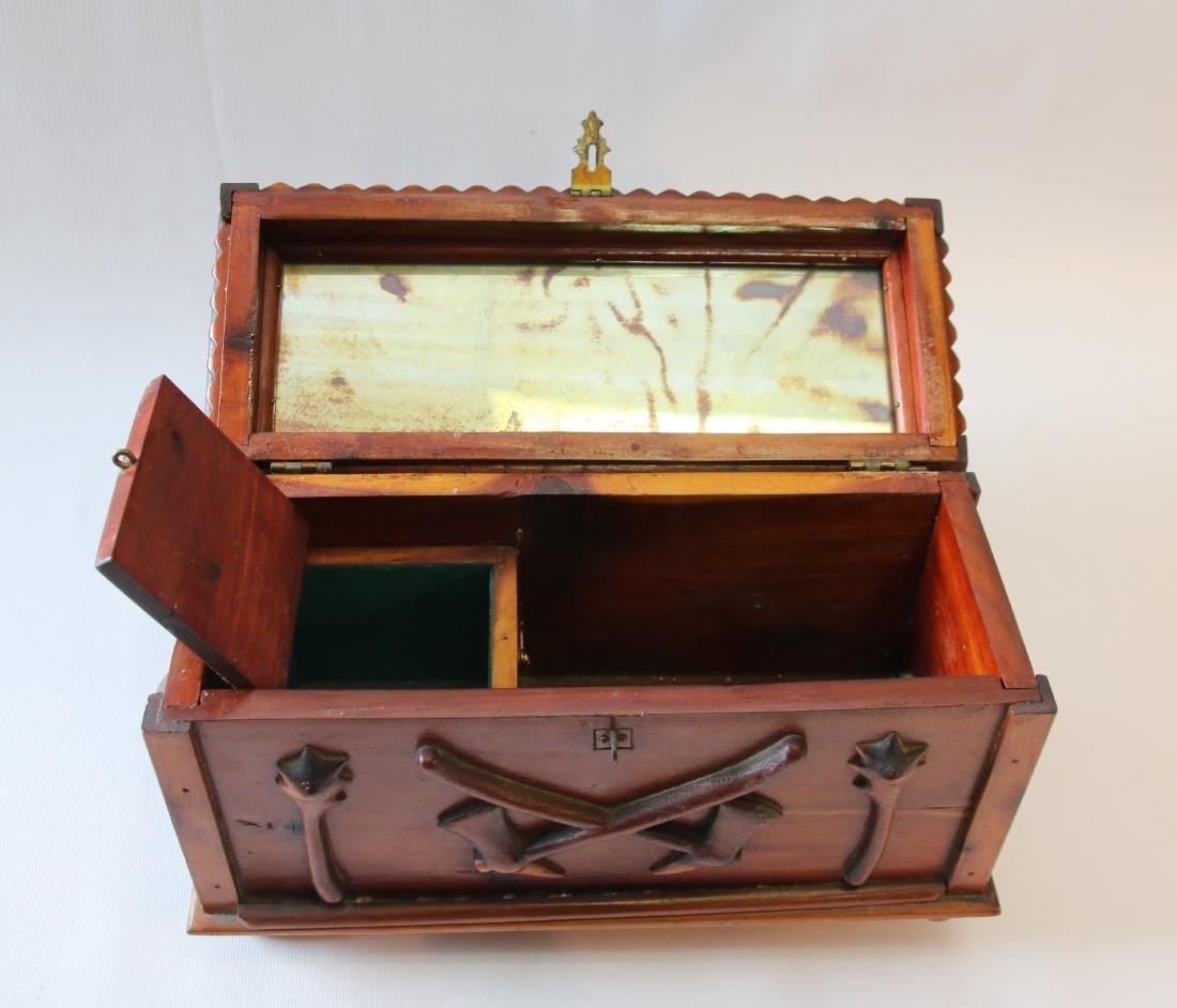 FOLK ART SEWING BOX - 4