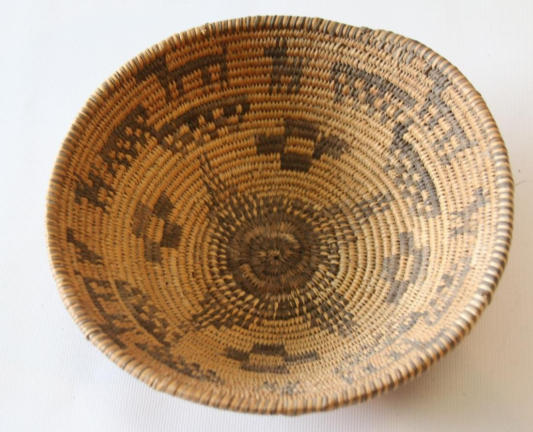 NATIVE AMERICAN SHALLOW BASKET