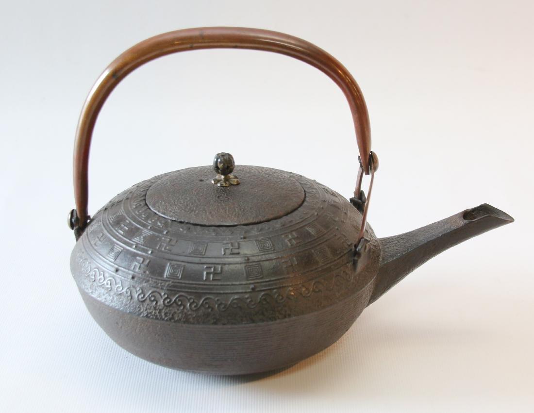 EARLY UNUSUAL JAPANESE TEA POT - 2