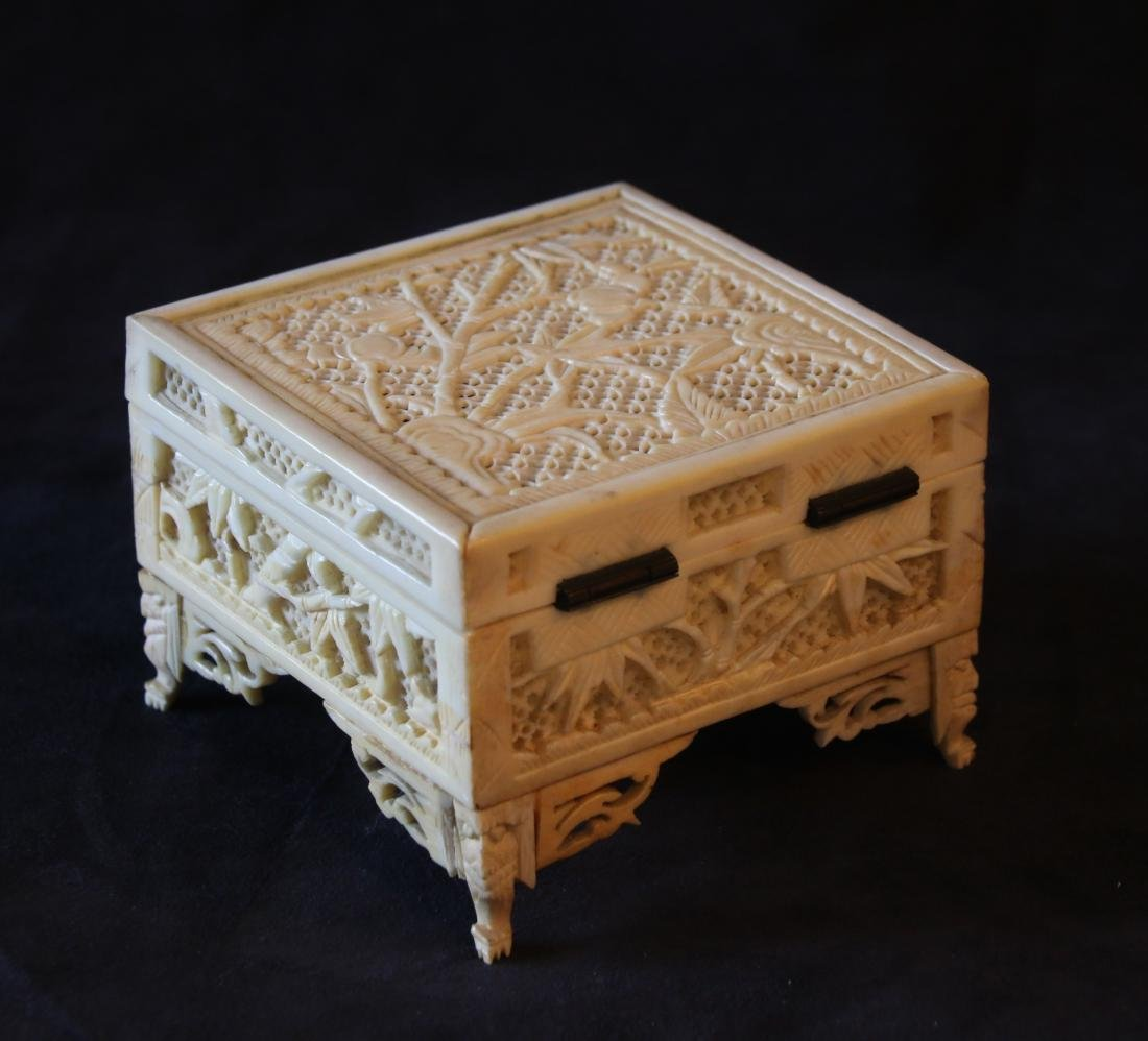 CHINESE CARVED CRICKET BOX - 5