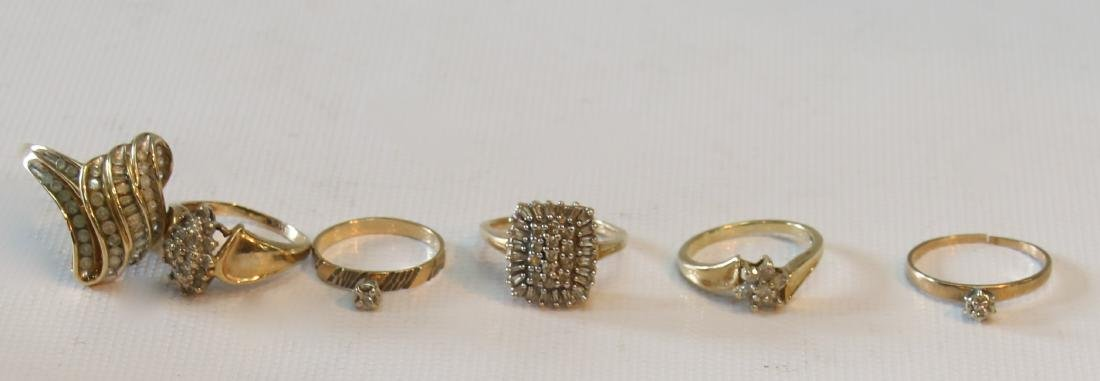 GOLD LOT OF RINGS