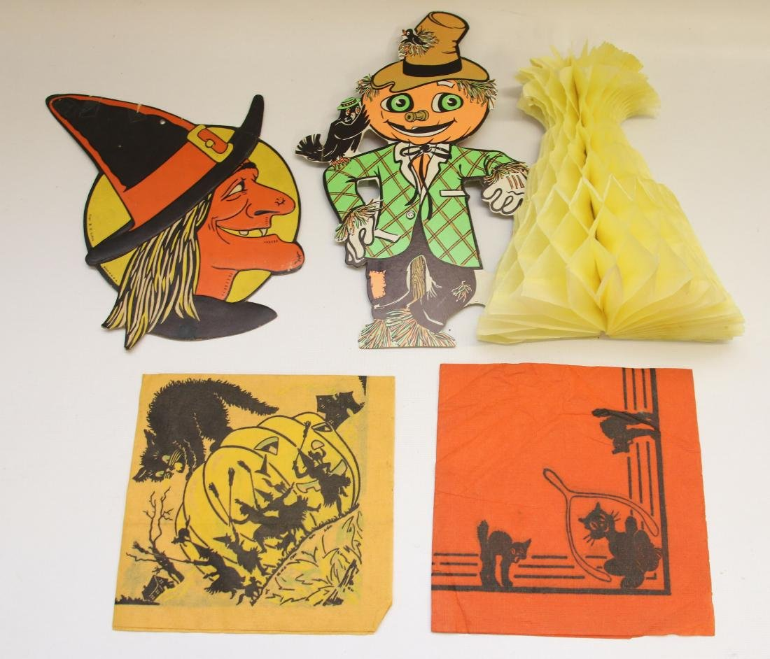 GROUP LOT OF HALLOWEEN ITEMS