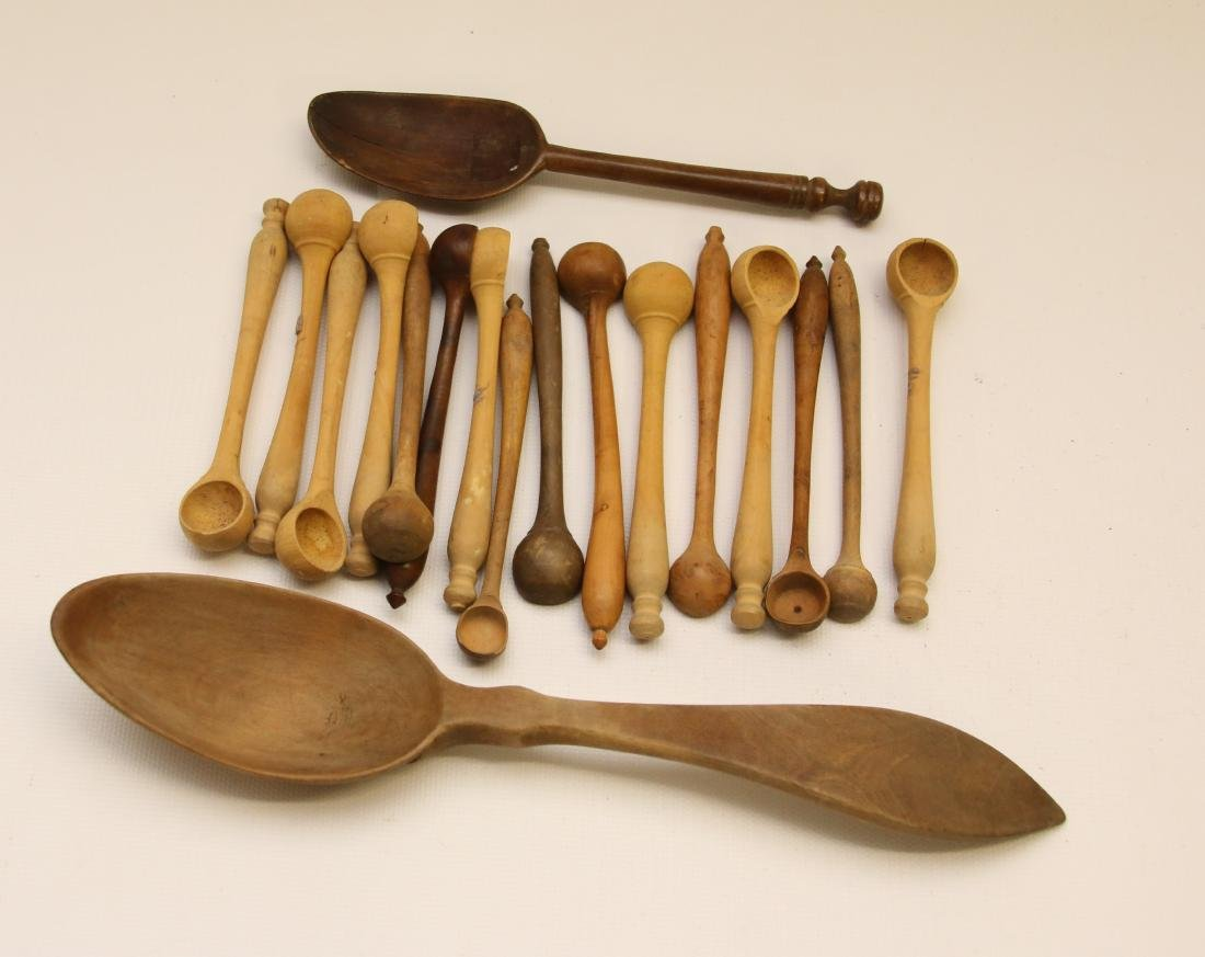 GROUP LOT OF WOODEN WARE