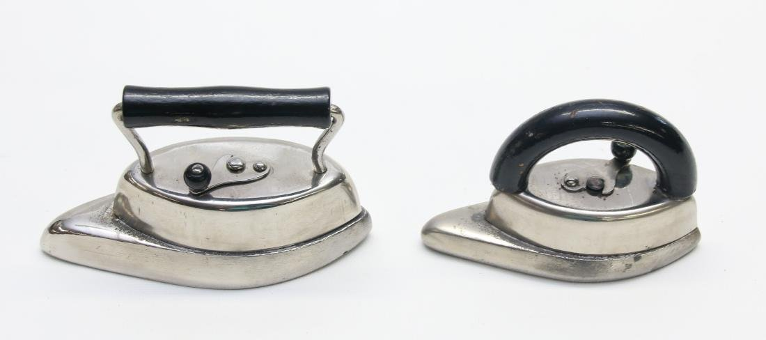 PAIR OF LITTLE SLEEVE IRONS