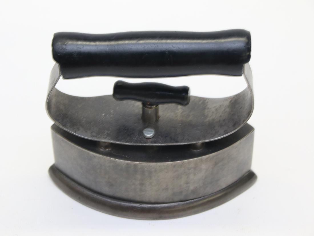DETACHABLE HANDLE IRON - 2