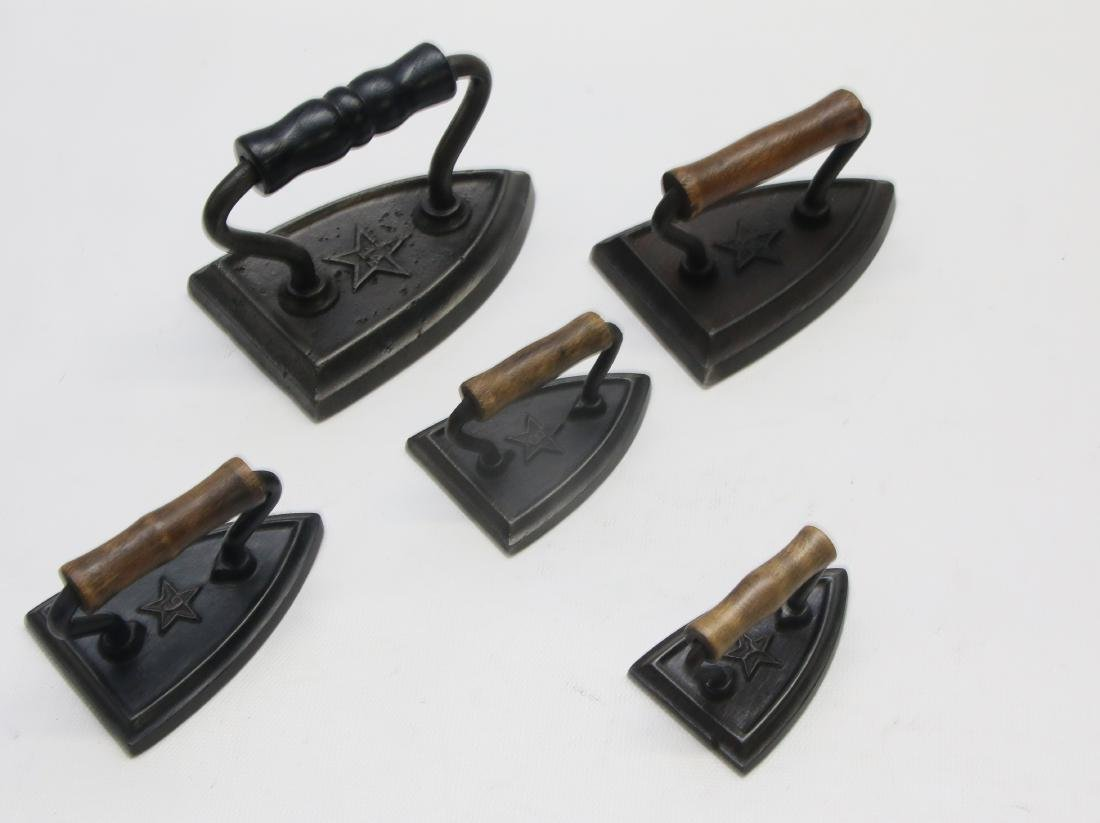 GROUP LOT OF MINIATURE SAD IRONS