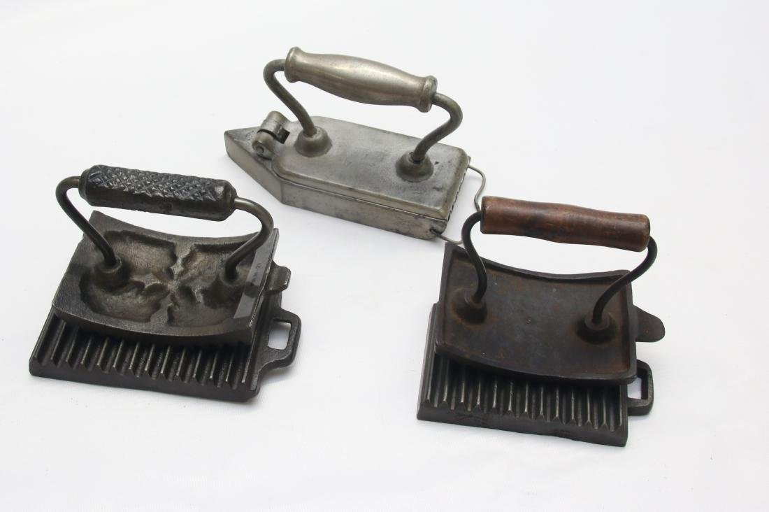 GROUP LOT OF FLUTING IRONS