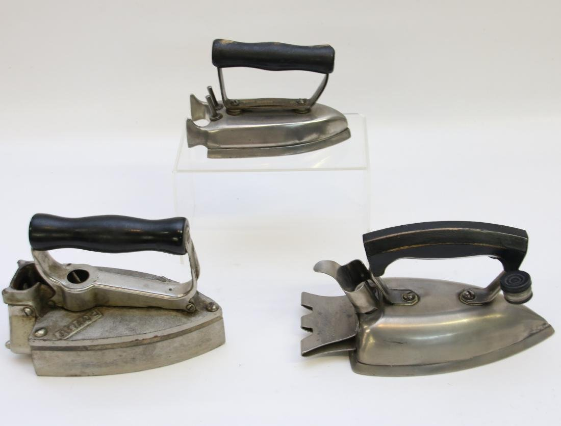 GROUP LOT OF ELECTRIC IRONS - 2