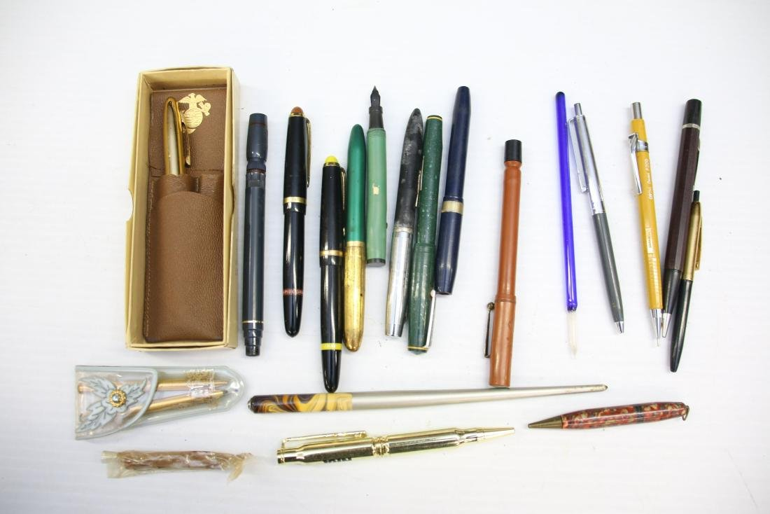 VINTAGE LOT OF FOUNTAIN PENS - 3