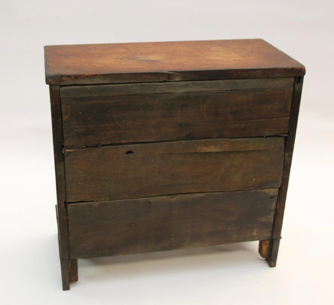 MINIATURE CHEST OF DRAWERS - 3