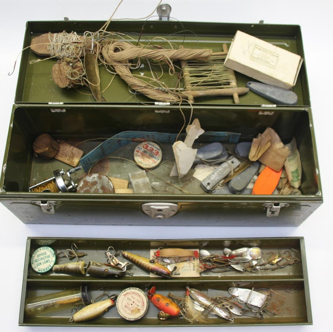 ANTIQUE TACKLE BOX AND CONTENTS