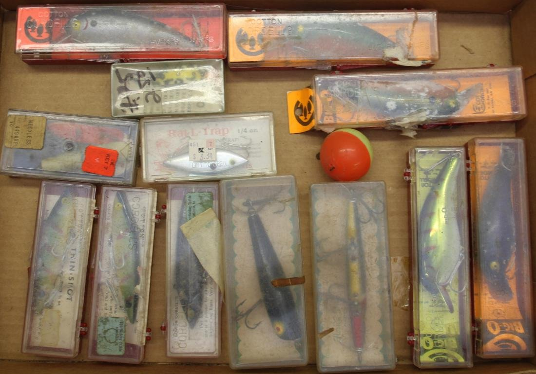 TRAY LOT OF FISHING LURES