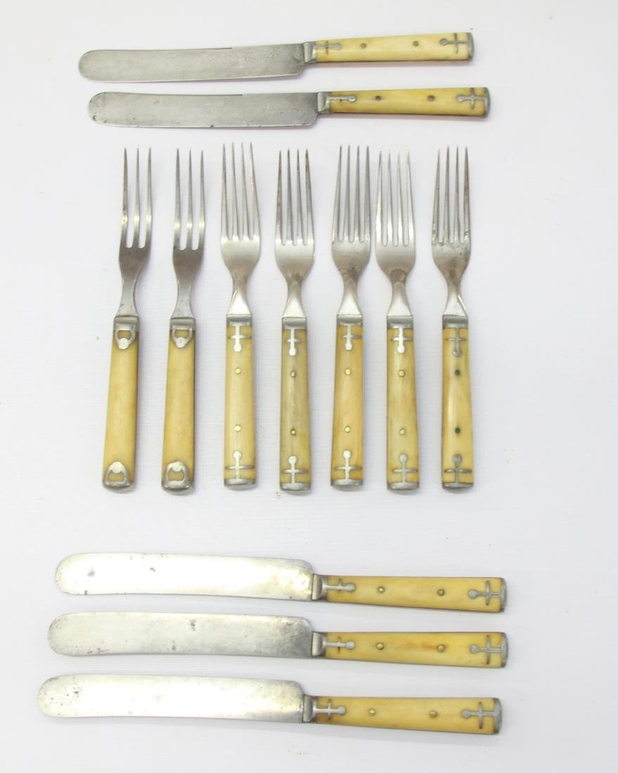 GROUP LOT OF FLATWARE
