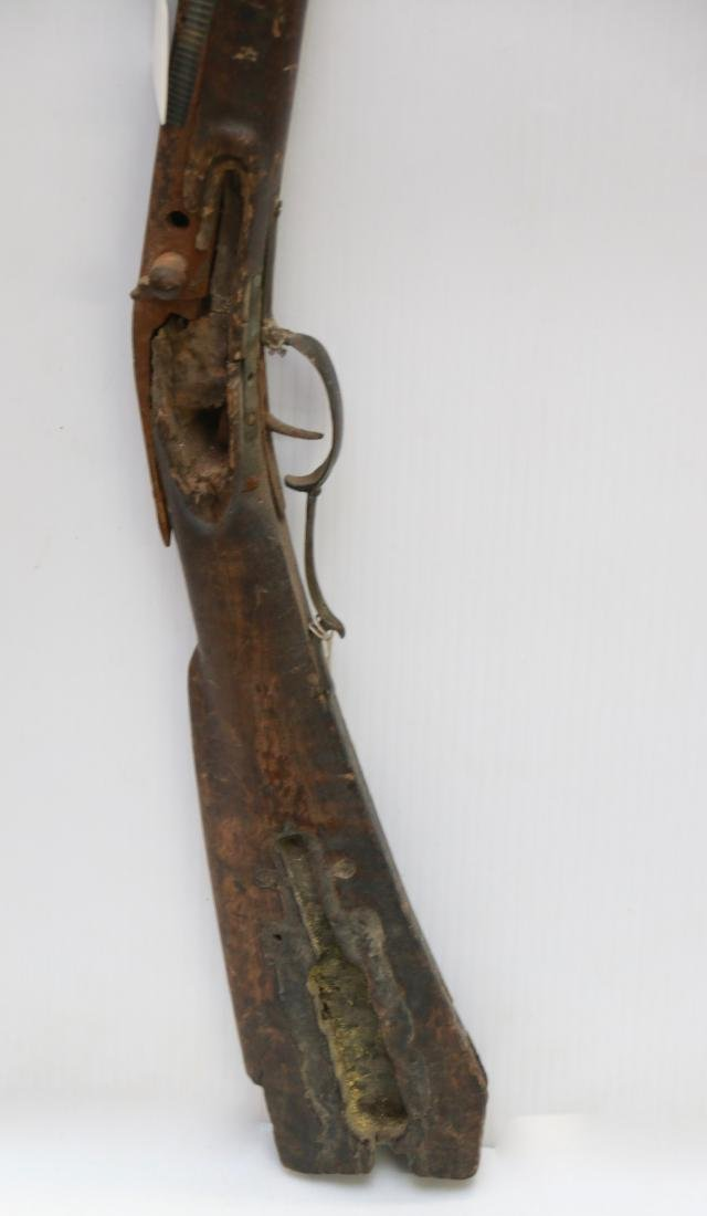ANTIQUE WALL HANGING RIFLE - 2
