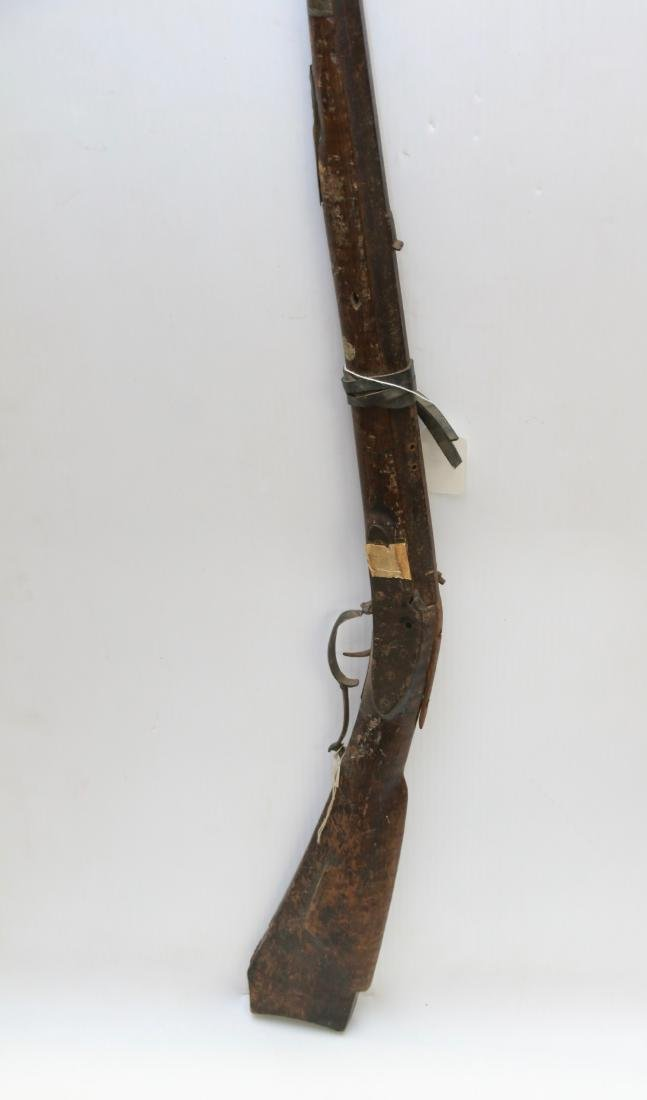 ANTIQUE WALL HANGING RIFLE - 3