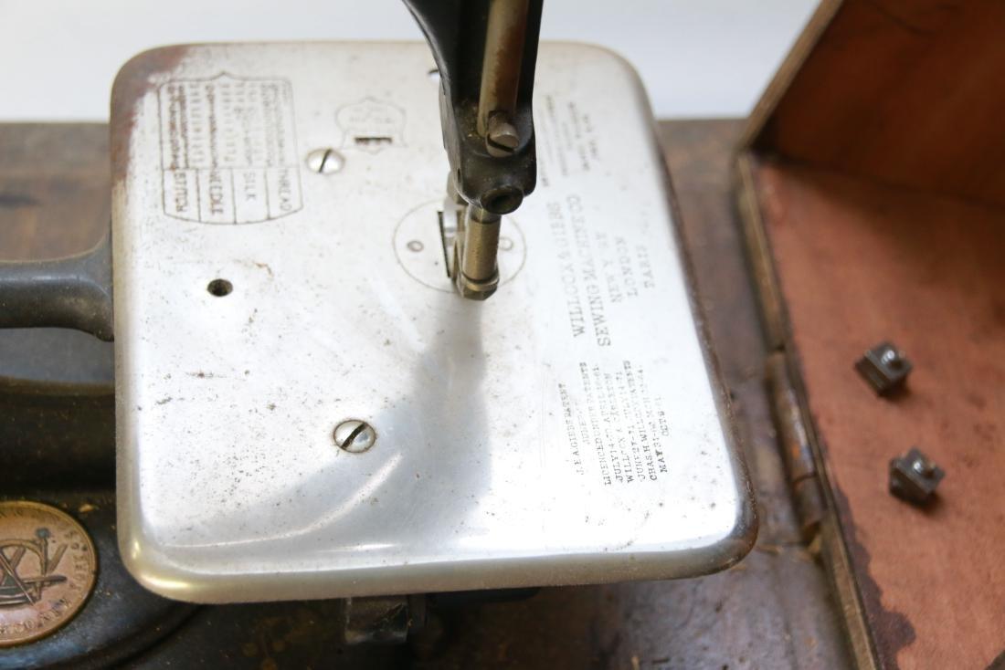 OAK CASED SEWING MACHINE - 3