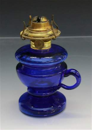PEDESTAL FINGER KEROSENE LAMP