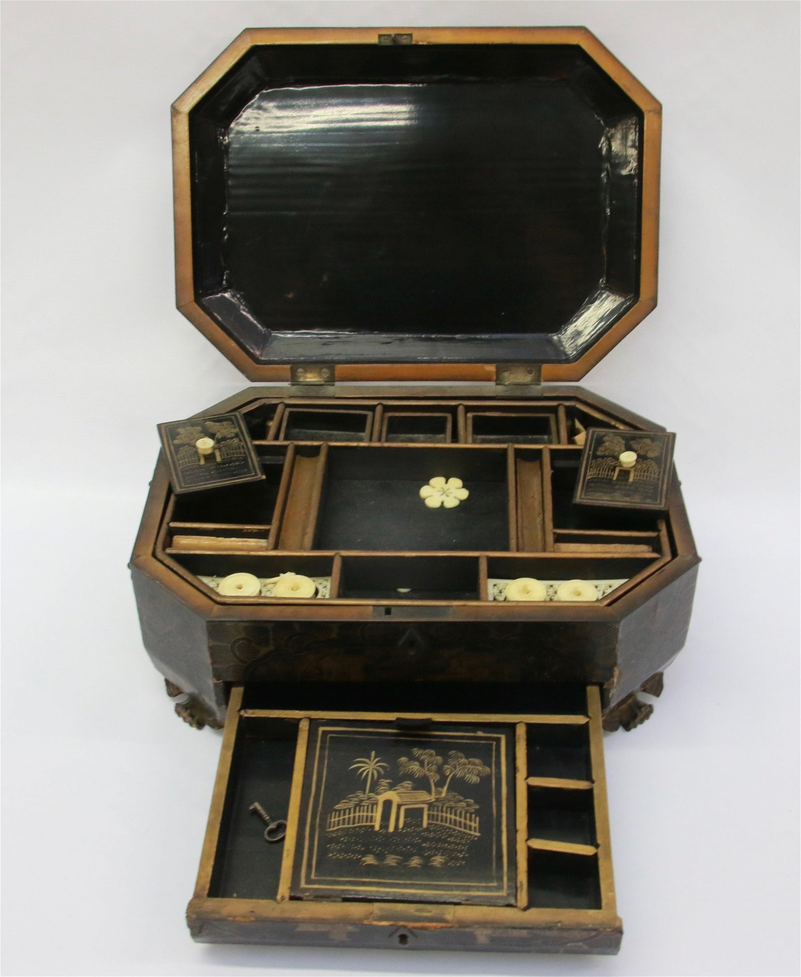CHINESE LACQUER SEWING BOX