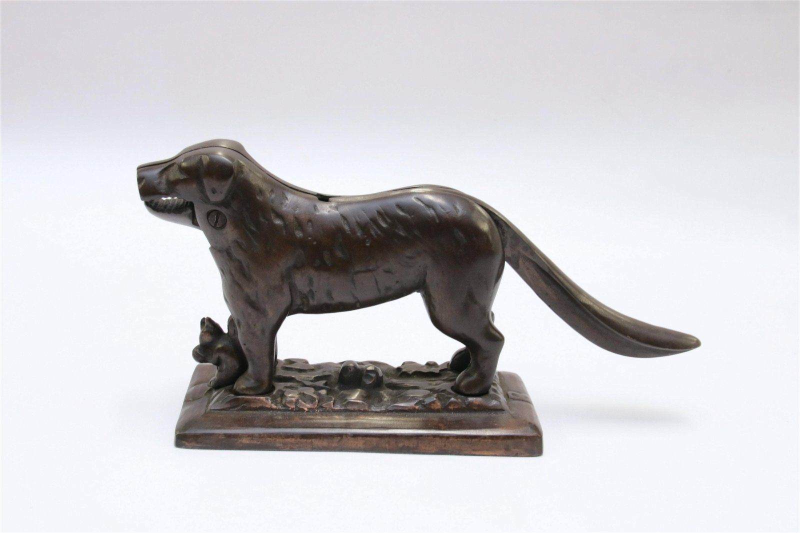 CAST IRON DOG NUTCRACKER