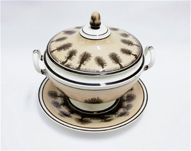 CRELL MOCHAWARE COVERED TUREEN AND UNDERPLATE