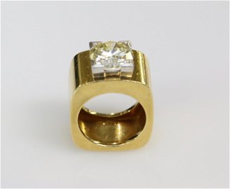 18K GOLD AND CANARY DIAMOND RING