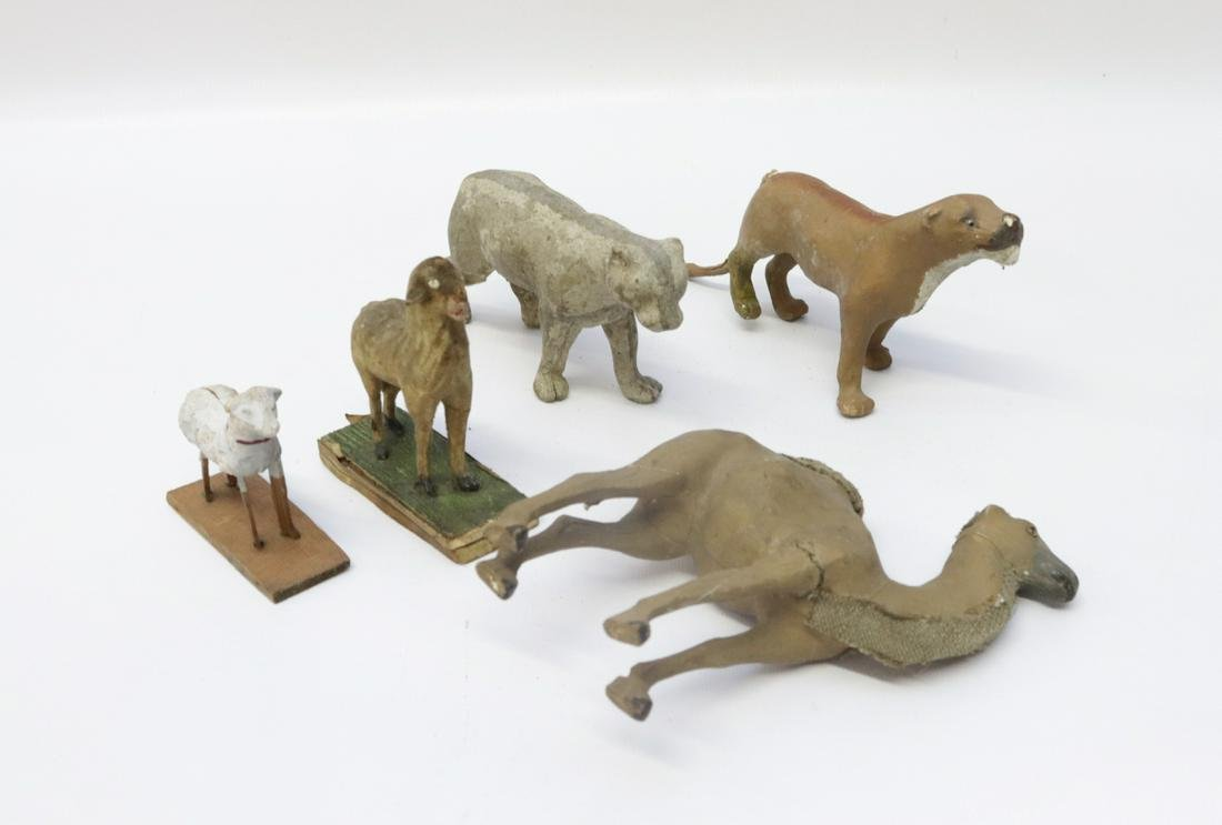 GROUP OF COMPOSITION ANIMALS