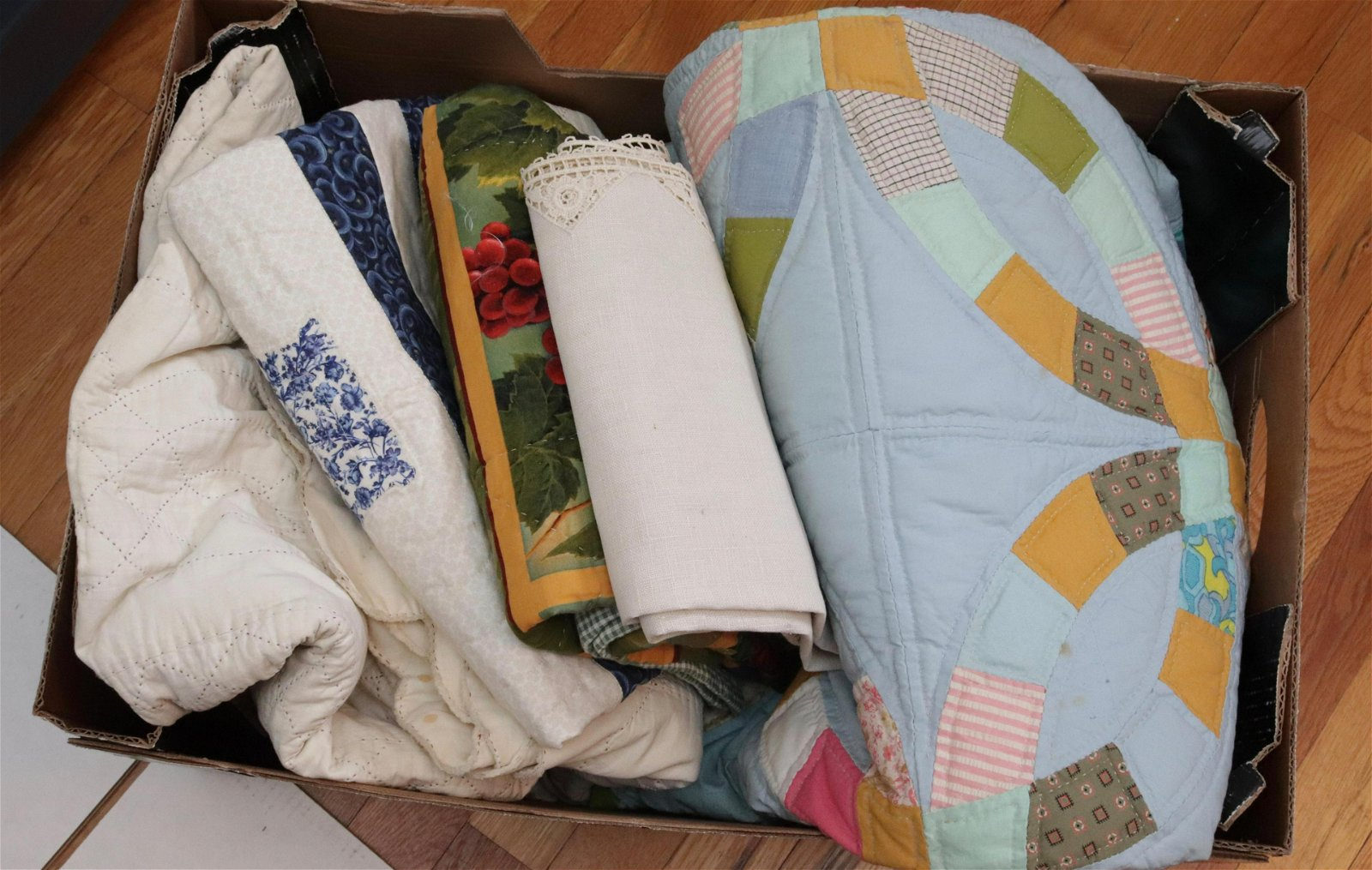 GROUP LOT OF VINTAGE AND MODERN DRY GOODS