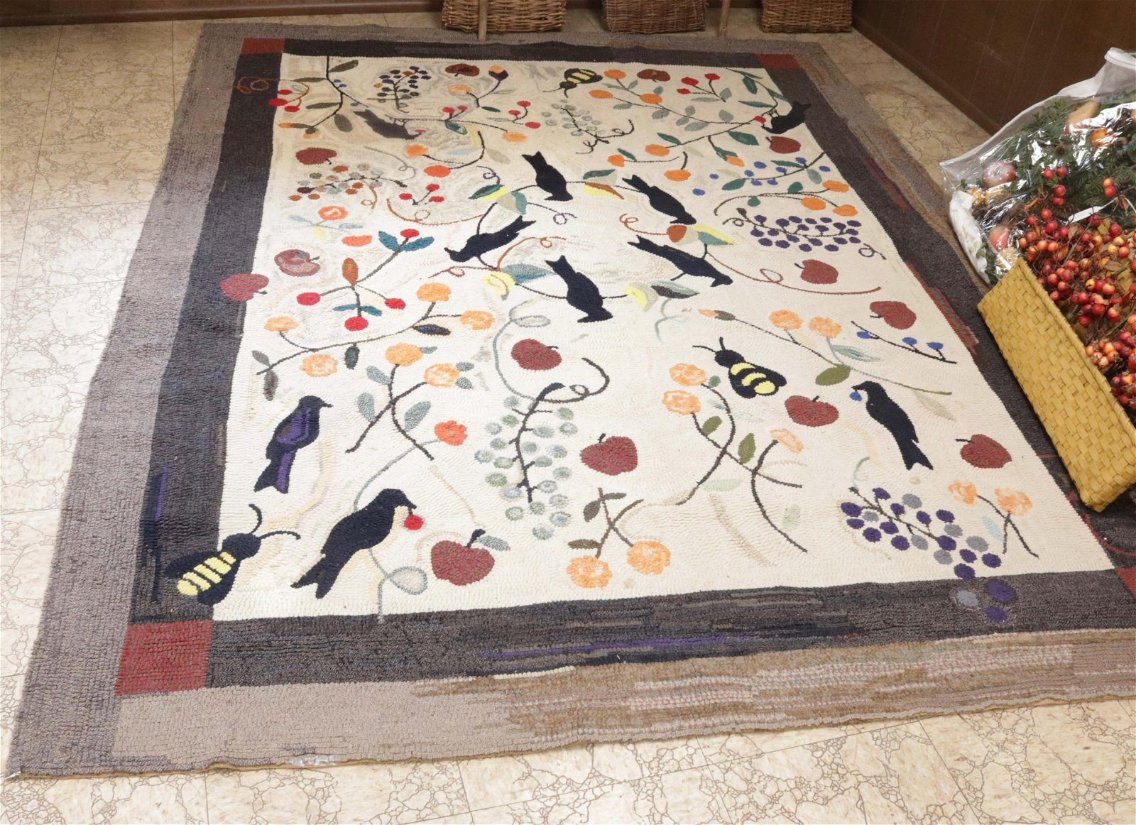 ROOM SIZE COUNTRY HOOKED RUG