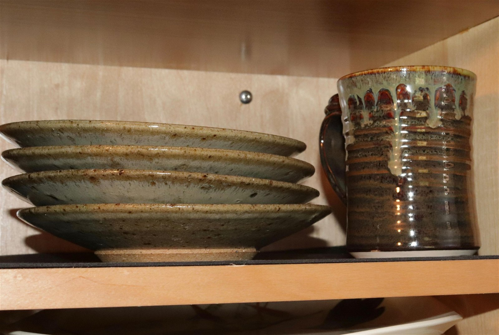 GROUP LOT OF CONTEMPORARY POTTERY