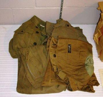 1032: BOX CONTAINING WWI UNIFORMS