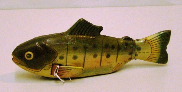 """2: 8"""" METAL FRICTION FISH HADSON, JAPAN MISSING BACK WH"""