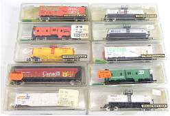 LOT OF N-SCALE MODEL POWER TRAIN CARS