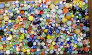 GROUP LOT OF VINTAGE MARBLES
