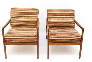 PAIR OF OLE WANSCHER DANISH MODERN LOUNGE CHAIRS