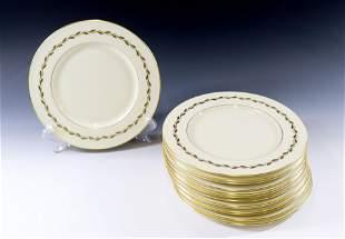 (14) LENOX GOLDEN WREATH DINNER PLATES