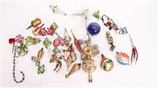 GROUP LOT OF ANTIQUE CHRISTMAS ORNAMENTS