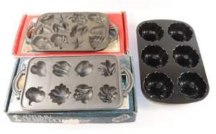 (3) CONTEMPORARY BAKING MOLD PANS