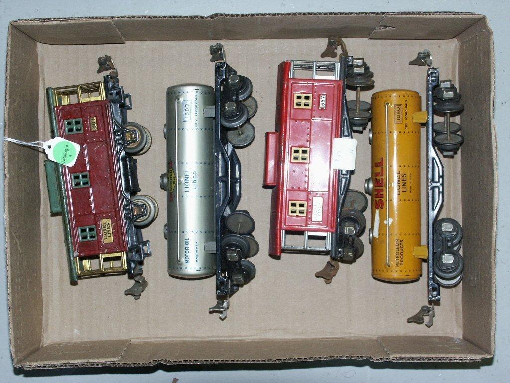 4: BOX LOT CONTAINING LIONEL PRE-WAR O-GAUGE